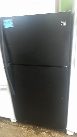 Kenmore top and bottom refrigerator excellent condition for Sale in Baltimore, MD