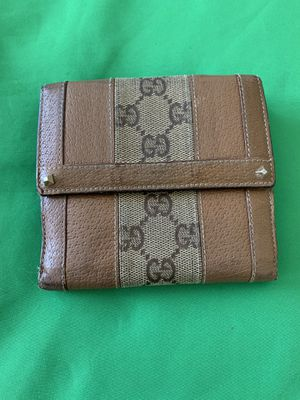Authentic Gucci Folding Wallet for Sale in Ewa Beach, HI