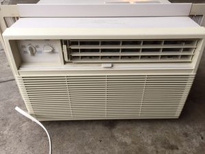 "19"" Window AC Unit for Sale in Chicago, IL"