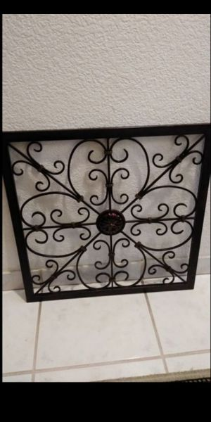 Metal floral wall decor for Sale in Gardena, CA