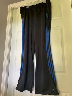 Adidas 3 stripes pants Size XL for Sale in Cadwell, GA