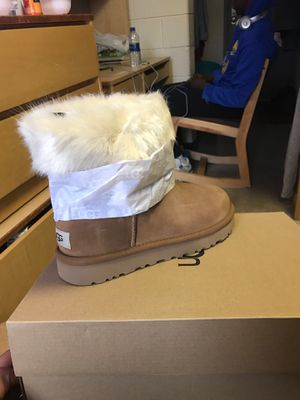 Ugg Boots Women Fur Lined Boot for Sale in Redford Charter Township, MI