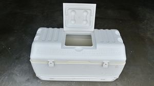 Igloo Maxcold 165 Qt Cooler for Sale in Greensboro, NC