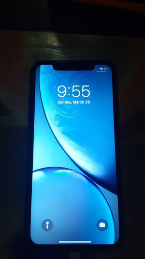 iPhone Xr (White) for Sale in Tigard, OR