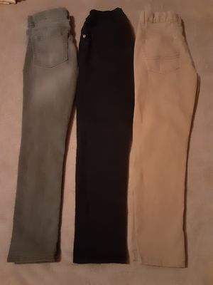 3 pantalon size 8 for Sale in Lynwood, CA