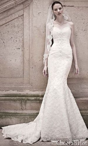 Oleg Cassini wedding dress for Sale in New Hill, NC