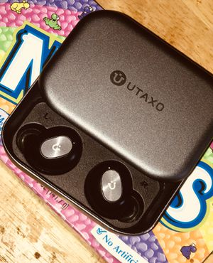 Wireless earbuds. for Sale in Fresno, CA