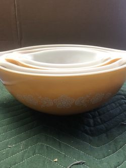 Vintage Pyrex bowls for Sale in Los Angeles,  CA
