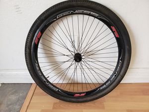 Genesis 29er Tim and tire size 29x2,125 great condition for Sale in Fontana, CA