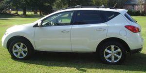 Beautiful car 2OO9 Nissan Murano runs and drives great for Sale in Arlington, VA