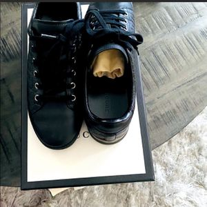 Gucci Low top Gym Shoes for Sale in Normal, IL
