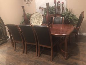 Estate sell——- Dining Room with Chairs for Sale in Norco, CA