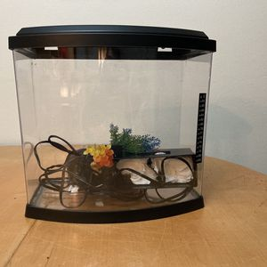5 Gallon Fish Tank WYSIWIG With COVID Supplies for Sale in Conroe, TX