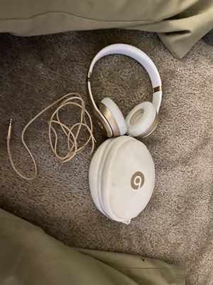 Solo 2 Beats (Wireless and with Cord) for Sale in Plainfield, IL