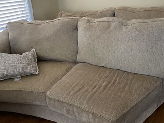 Free Couch for Sale in St. Louis,  MO