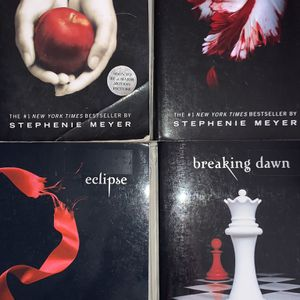 Twilight Saga Books 1-4 (Twilight, New Moon, Eclipse, Breaking Dawn) Paperback Novels for Sale in Norman, OK