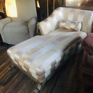 Chaise Lounge for Sale in La Grange, IL
