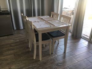 Breakfast Table and Chairs for Sale in Winter Garden, FL