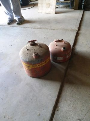 Gas cans for Sale in Magnolia, IL
