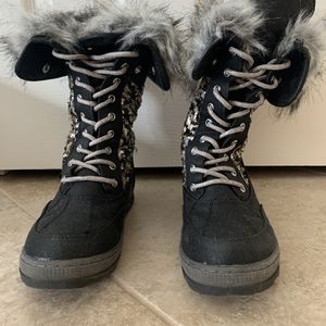 Justice Black Sequins Snow Boots - Size 6 for Sale in Lansdale, PA
