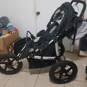 Jogging stroller for Sale in Hialeah, FL