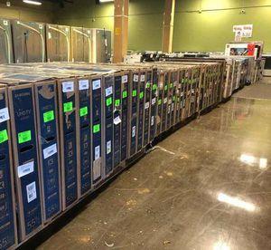 """Brand New TCL ROKU 32"""" Smart Tv! Open box w/ warranty WL for Sale in Houston, TX"""