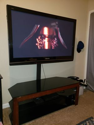 50 inch TV with swivel stand for Sale in Houston, TX