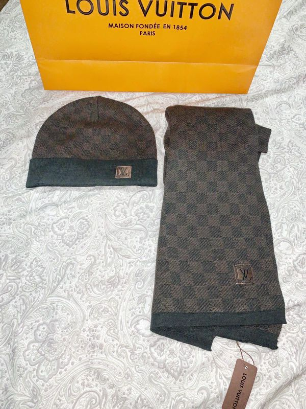 Brown damier beanie & scarf set