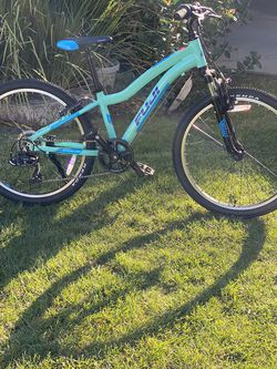Fuji Mountain Bike Small Frame 7 speeds tires 24 everything works great almost new for Sale in Los Gatos,  CA
