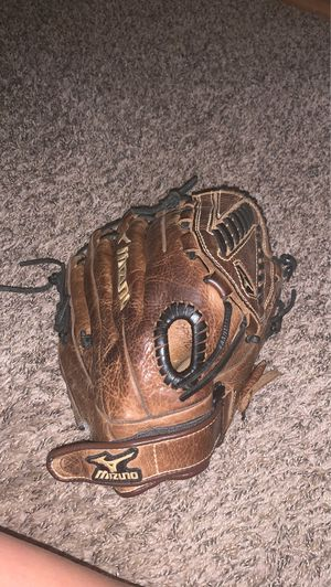 Softball glove for Sale in Bellingham, WA