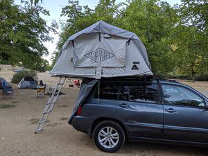 Polerstuff Le Tente Rooftop Tent in Like New Condition for Sale in San Leandro, CA