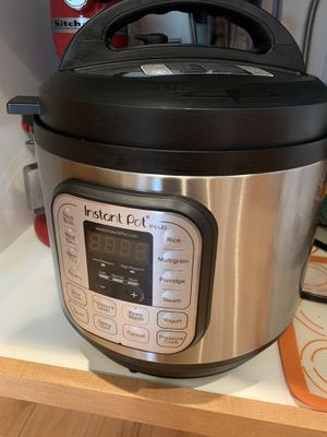 Instant pot 8 quart - 60.00– YES ITS AVAILABLE. Stop asking! for Sale in Mill Creek, WA