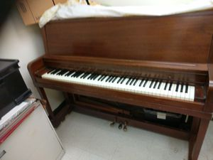 Free piano for Sale in Washington, DC