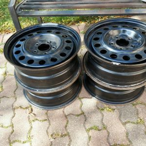 "4 GM..RIMS 5x 115 BOLT PATTERN 16"" Good Condition. for Sale in Palatine, IL"