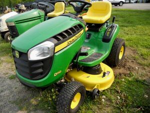 John Deere riding lawn mower- Automatic hydrostatic transmission- only 31 hours - SAVE$$$ - will possibly finance or trade-Read AD⬇️⬇️ for Sale in Stafford, VA