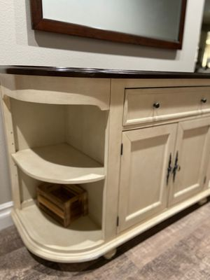 Gorgeous furniture piece! for Sale in Eastvale, CA