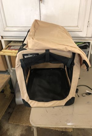 Dog kennel good for dogs up to 50 pounds in excellent shape clean for Sale in Beverly Hills, CA