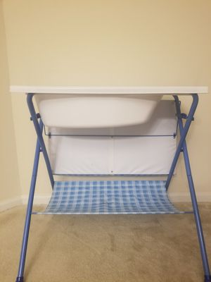 Changing table with bathtub for Sale in Germantown, MD