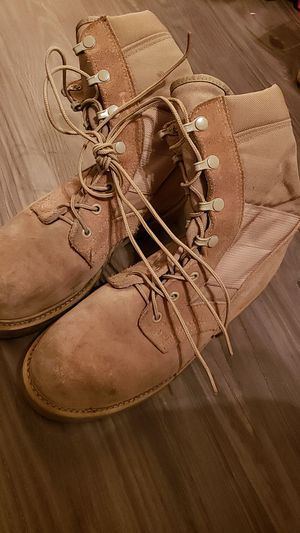 MILITARY STEEL TOE BOOTS- SIZE 7R for Sale in Riverside, CA