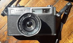 Yashica MG-1 CAMERA 45 MM for Sale in Newark, OH