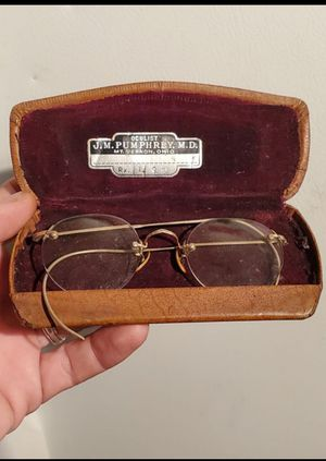 Antique 12Kt gold filled eye glasses W/case (see all pictures) for Sale in Columbus, OH