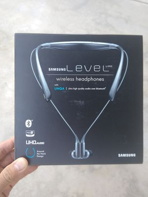 Samsung Bluetooth Headphone for Sale in Corona, CA