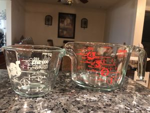 Pyrex Measuring Cups (set of 2) for Sale in Riverside, CA