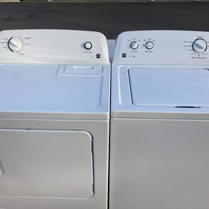 Kenmore Matching Series 100 Washer and Gas Dryer for Sale in Fife, WA