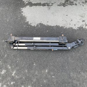 Roadmaster Stow Master 5000 Lb Black Rv Car Two Hitch Bar System for Sale in Newark, CA