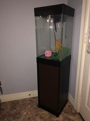 Aqueon 15 Gallon Column Fish Tank for Sale in Houston, TX