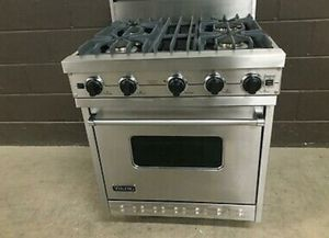 """Viking 30"""" (model #VGIC307-4BSS) - all gas - 4 burners in stainless steel finish. for Sale in Snellville, GA"""