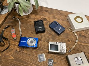 Digital cameras and accessories for Sale in Culver City, CA