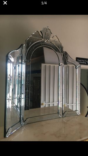Table and wall mirror for Sale in Los Angeles, CA