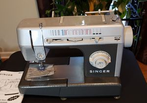 Singer CG590 sewing machine for Sale in Lyman, SC